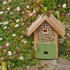 Wildlife World Bee Barn