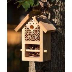 Nooks & Crannies Insect House
