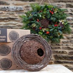 Wildlife World Simon King Wreath Nester